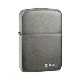 poza Bricheta Zippo 150ZL Black Ice w/Zippo logo